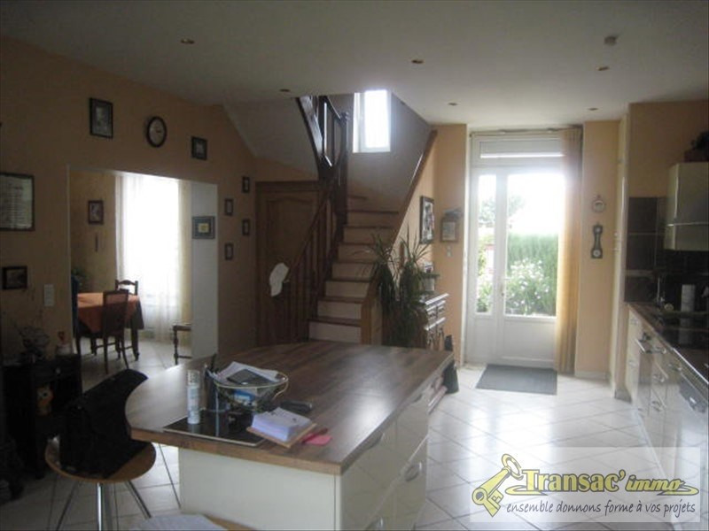 Vente maison / villa Puy guillaume 191 700€ - Photo 4