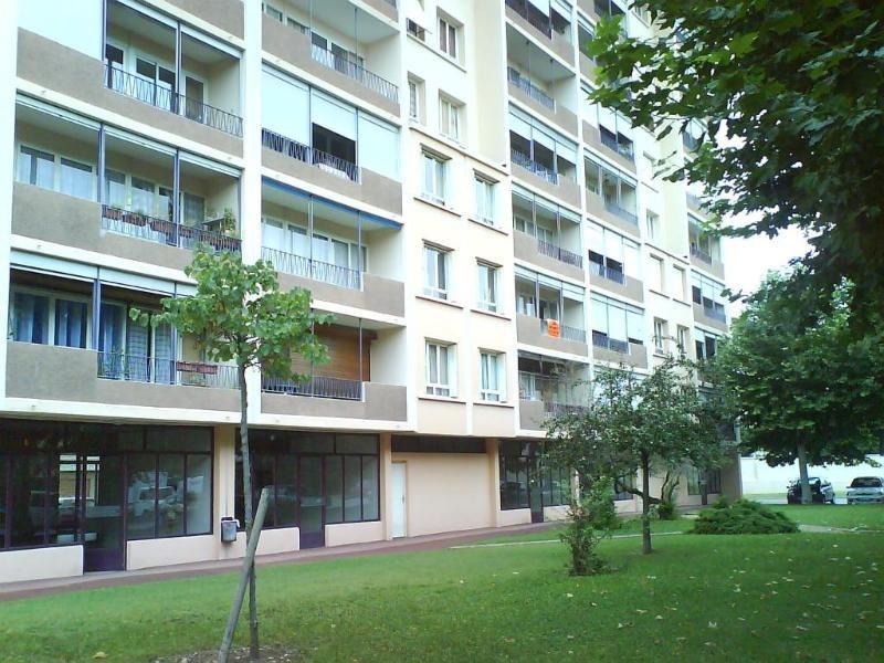 Location appartement Lyon 8ème 1095€ CC - Photo 1