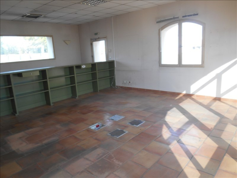 Location local commercial Carpentras 3500€ HT/HC - Photo 3
