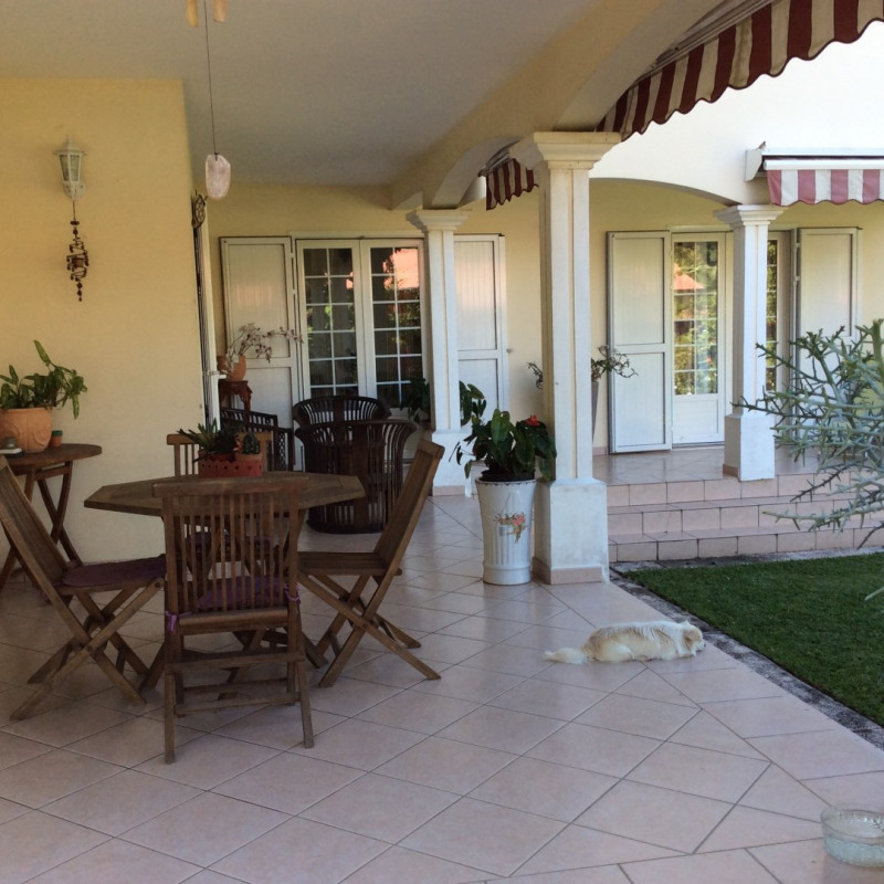 Rental house / villa Bras panon 1 395€cc - Picture 3