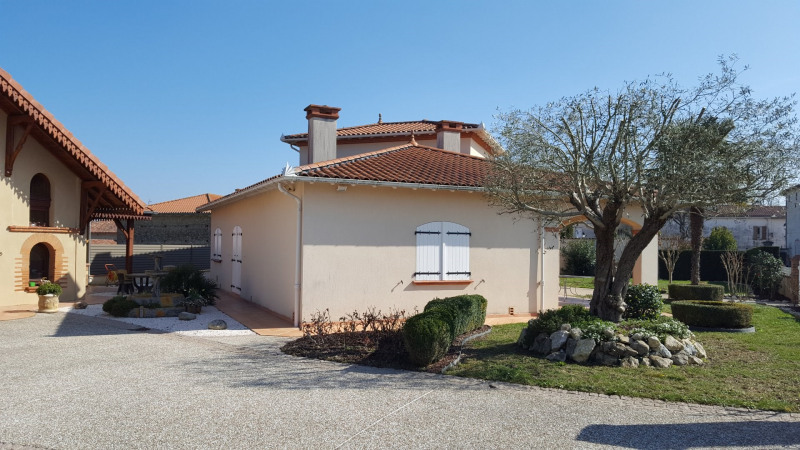 Location maison / villa Lherm 1 450€ CC - Photo 3