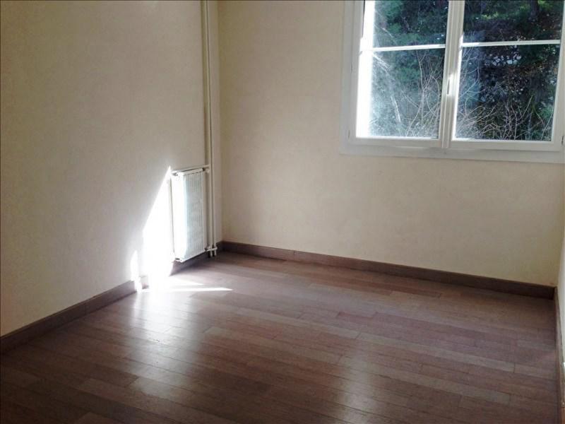 Rental apartment Le revest les eaux 757€ CC - Picture 4