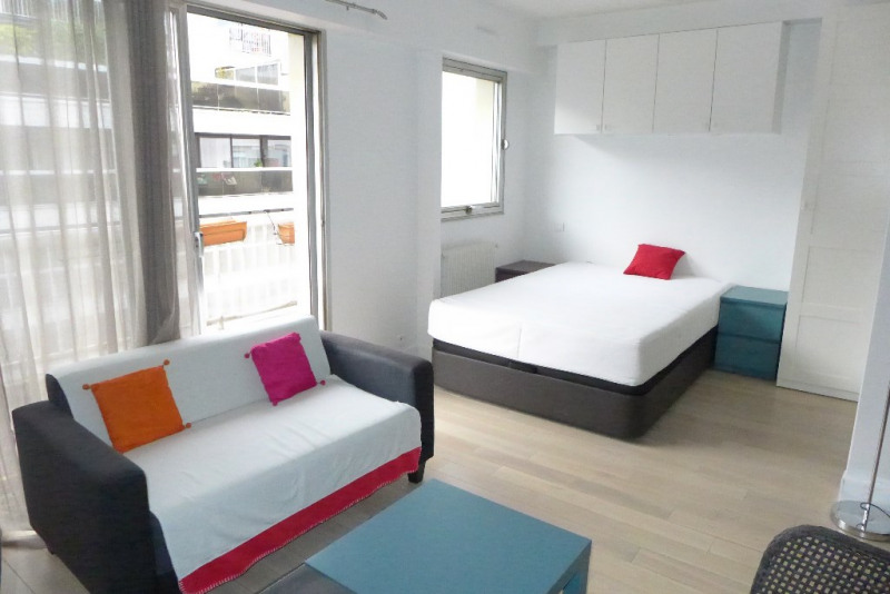Verhuren  appartement Paris 15ème 1210€ CC - Foto 2