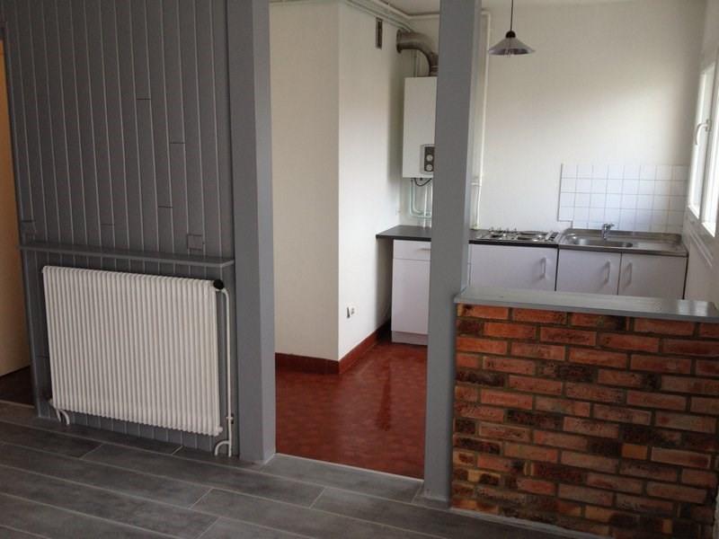 Rental apartment Maurepas 586€ CC - Picture 1