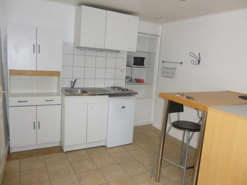 Location appartement Sain bel 300€ +CH - Photo 1