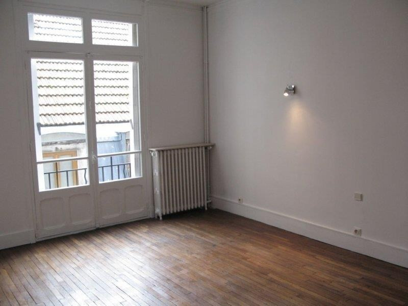 Rental apartment Troyes 782€ CC - Picture 3
