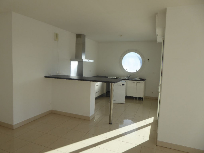 Sale apartment La rochelle 440 496€ - Picture 4