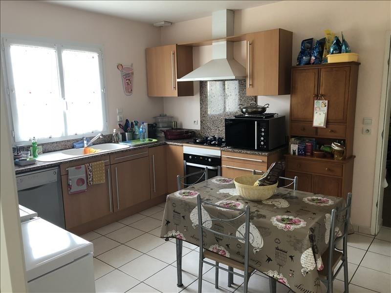 Location maison / villa St benoit 950€ CC - Photo 4