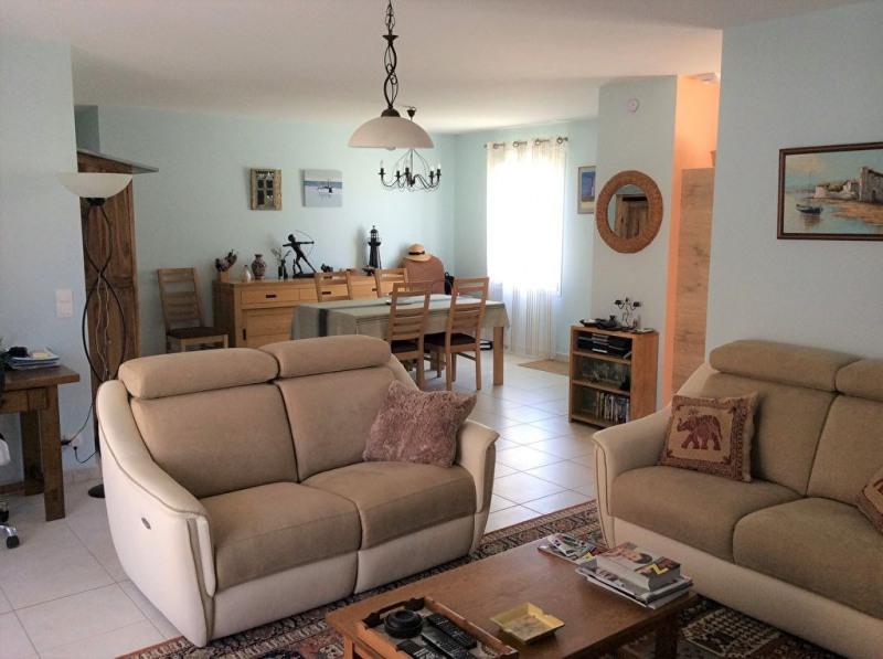 Sale house / villa Chaillevette 239500€ - Picture 2