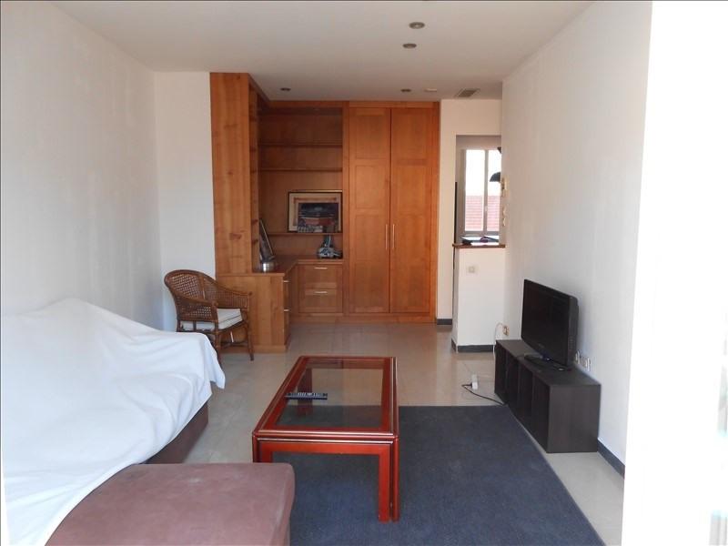 Sale apartment Le golfe juan 365000€ - Picture 1