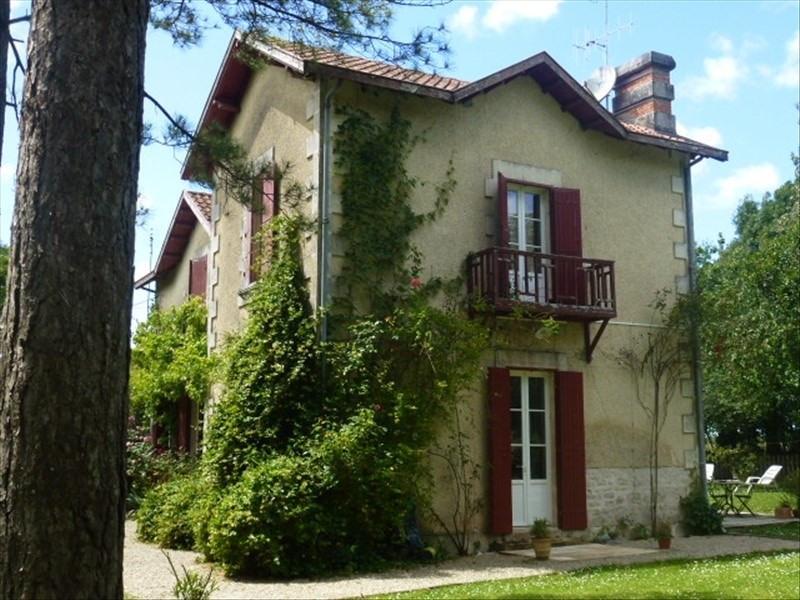 Sale house / villa Aigrefeuille d aunis 369600€ - Picture 2