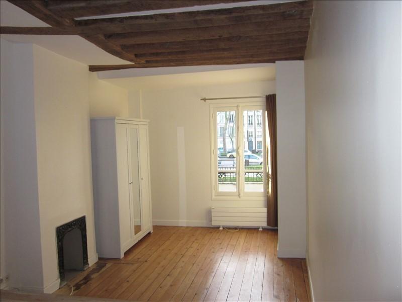 Rental apartment Versailles 700€ CC - Picture 1