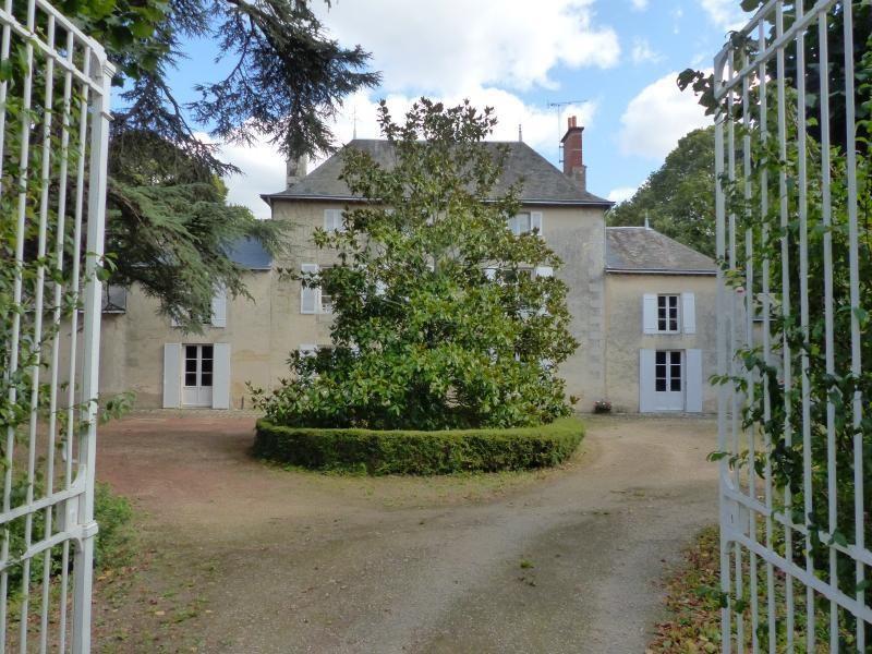 Deluxe sale house / villa Poitiers 620000€ - Picture 1
