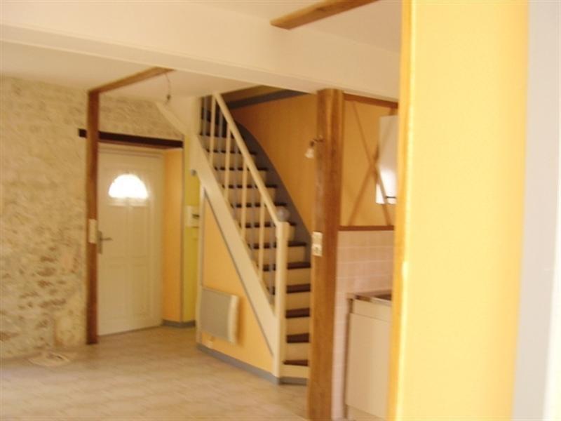 Rental house / villa Saint-jean-d'angély 410€ CC - Picture 4