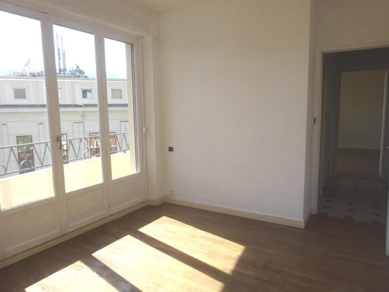 Location appartement Grenoble 1 049€ CC - Photo 9
