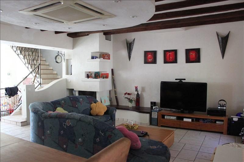 Sale house / villa Auberives sur vareze 225000€ - Picture 1