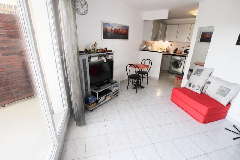 Location appartement Courbevoie 875€ CC - Photo 6
