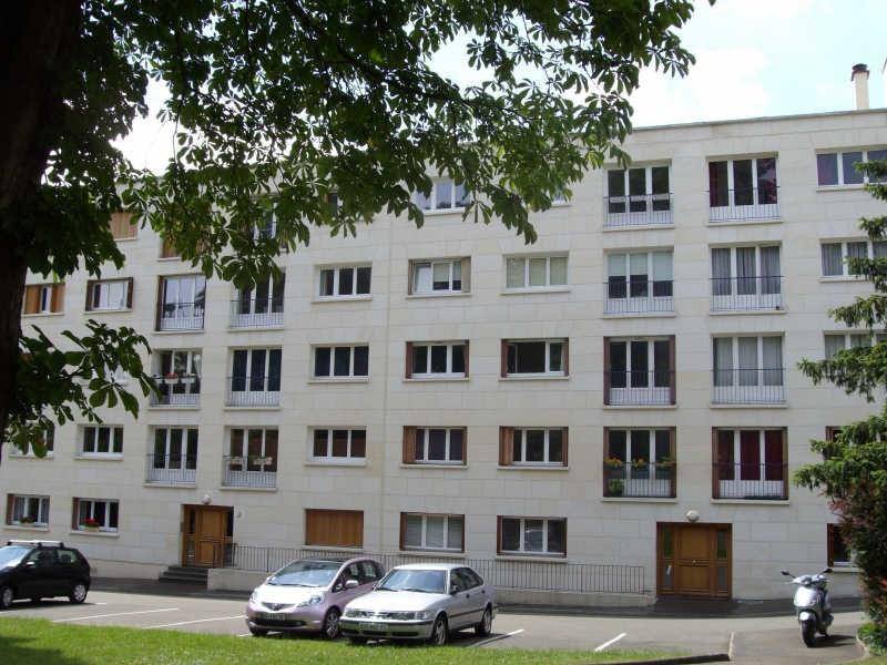 Rental apartment St germain en laye 1305€ CC - Picture 1