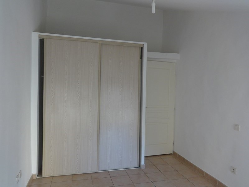 Location maison / villa Le thor 507€ CC - Photo 10