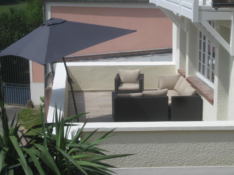 Sale house / villa La roche guyon 245000€ - Picture 1