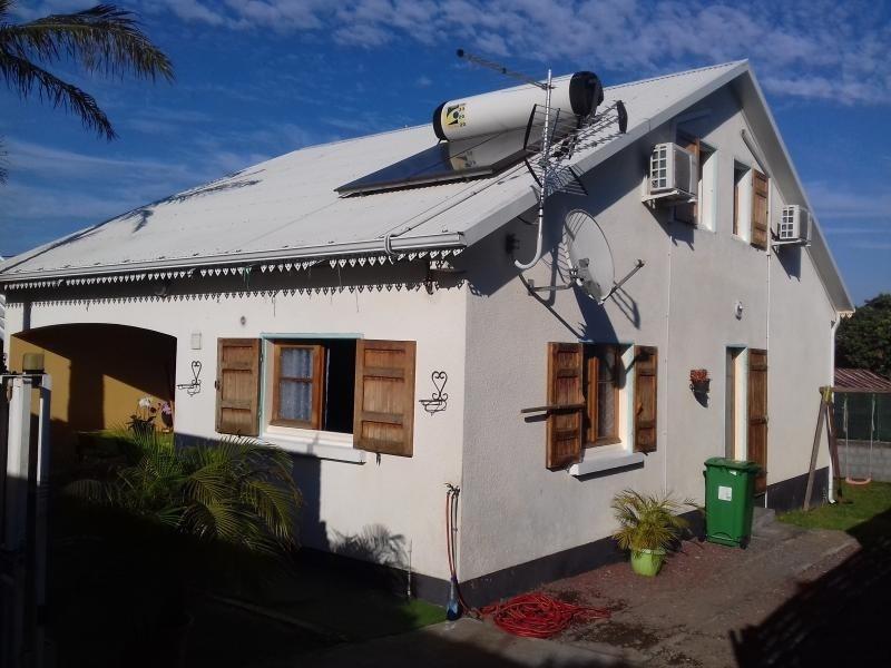 Sale house / villa La riviere 220000€ - Picture 1