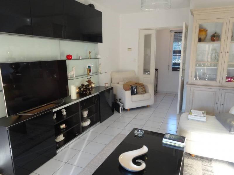 Rental apartment Villeneuve-les-avignon 914€ CC - Picture 2