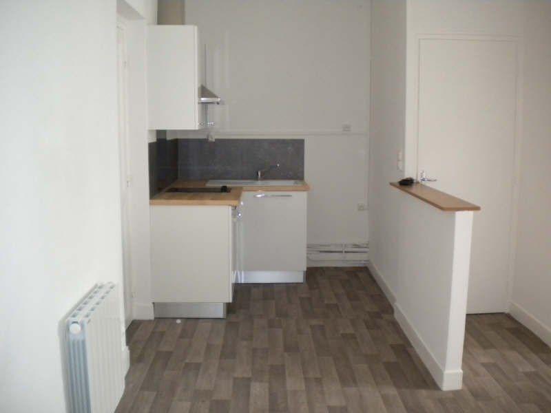 Location appartement Vendome 355€ CC - Photo 3