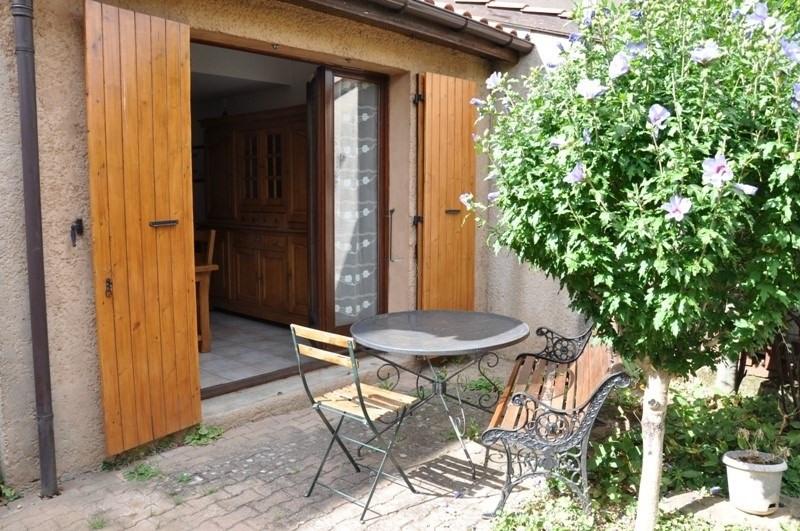 Sale house / villa Pommiers 235000€ - Picture 1