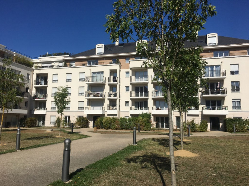 Location appartement Carrieres sous poissy 825€ CC - Photo 1