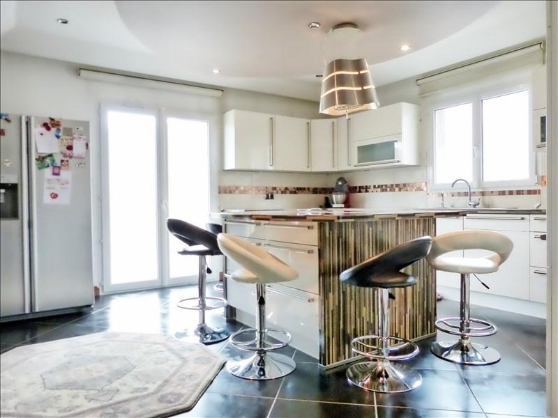Sale house / villa Cluses 350000€ - Picture 2
