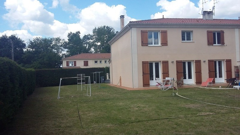 Location maison / villa Saint-selve 1 161€ CC - Photo 3