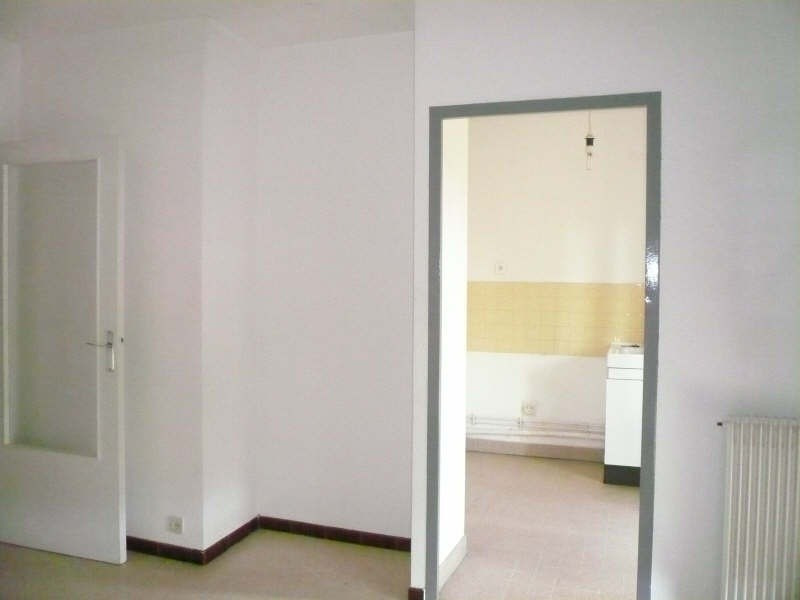 Rental apartment Nimes 410€ CC - Picture 3