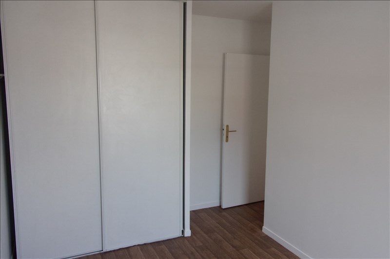 Rental apartment La plaine st denis 1 208€ CC - Picture 4