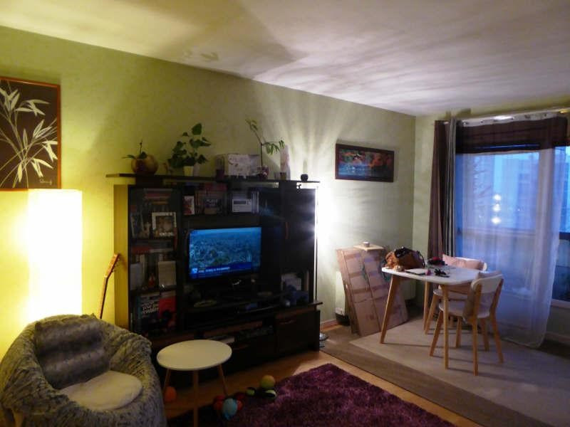 Rental apartment Maurepas 654€ CC - Picture 1