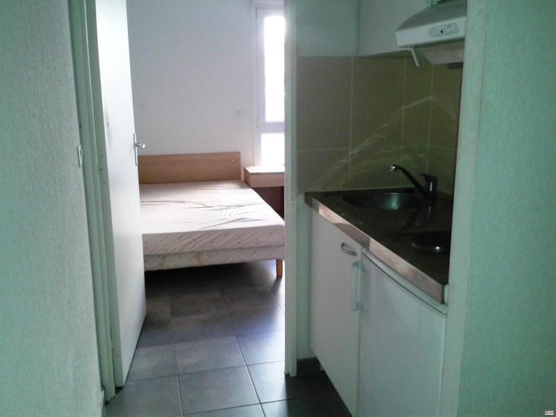 Location appartement Toulon 380€ CC - Photo 1