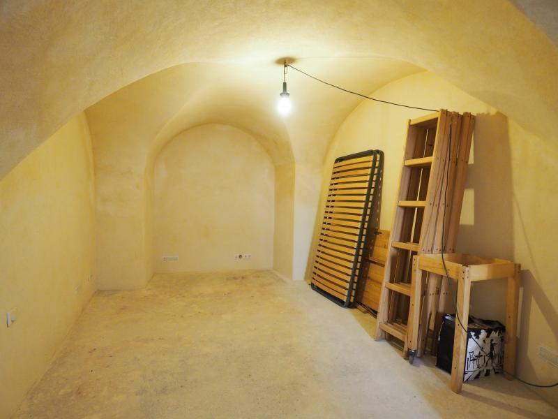 Verkoop  appartement Uzes 69900€ - Foto 2