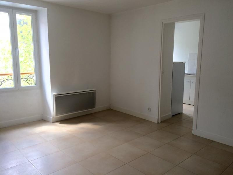 Rental apartment Villennes sur seine 772€ CC - Picture 2