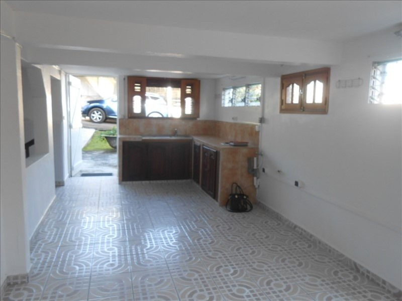 Rental apartment Basse terre 650€cc - Picture 5