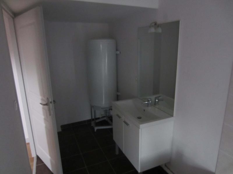 Rental apartment St beron 430€ CC - Picture 6
