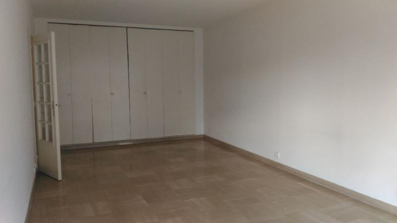 Location appartement Saint laurent du var 920€ CC - Photo 5