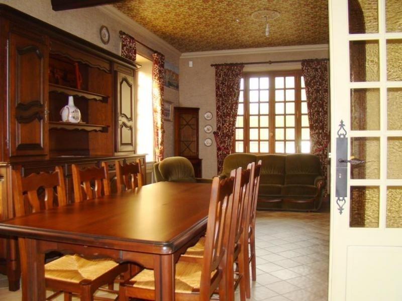 Sale house / villa Les avenieres 290 000€ - Picture 3
