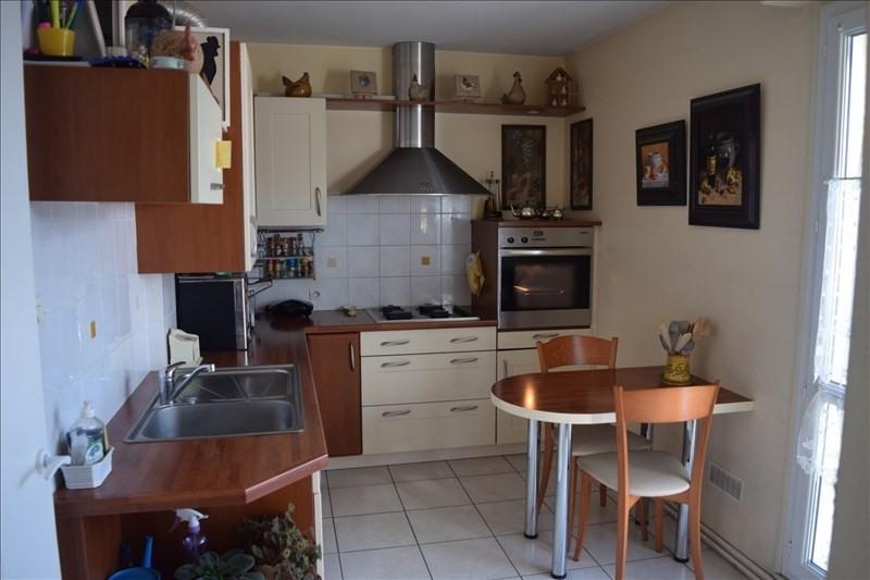 Sale apartment La rochelle 218000€ - Picture 2