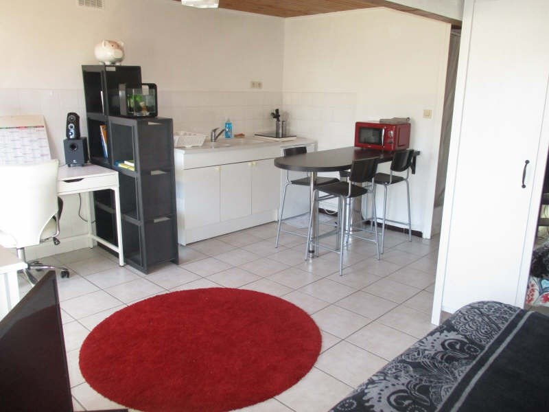 Location appartement Nimes 355€ CC - Photo 1