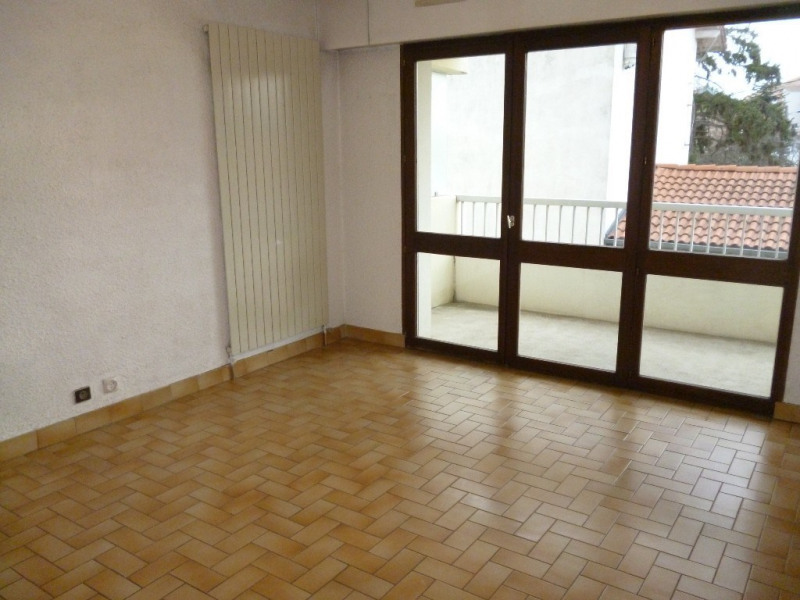 Location appartement Romans-sur-isère 329€ CC - Photo 2