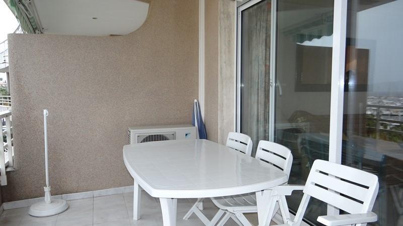 Vacation rental apartment Cavalaire sur mer 900€ - Picture 5