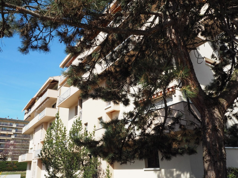 Sale apartment Annecy 232 000€ - Picture 1