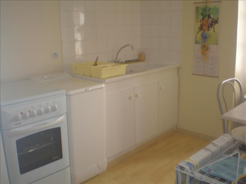 Location appartement Cugand 415€ CC - Photo 1