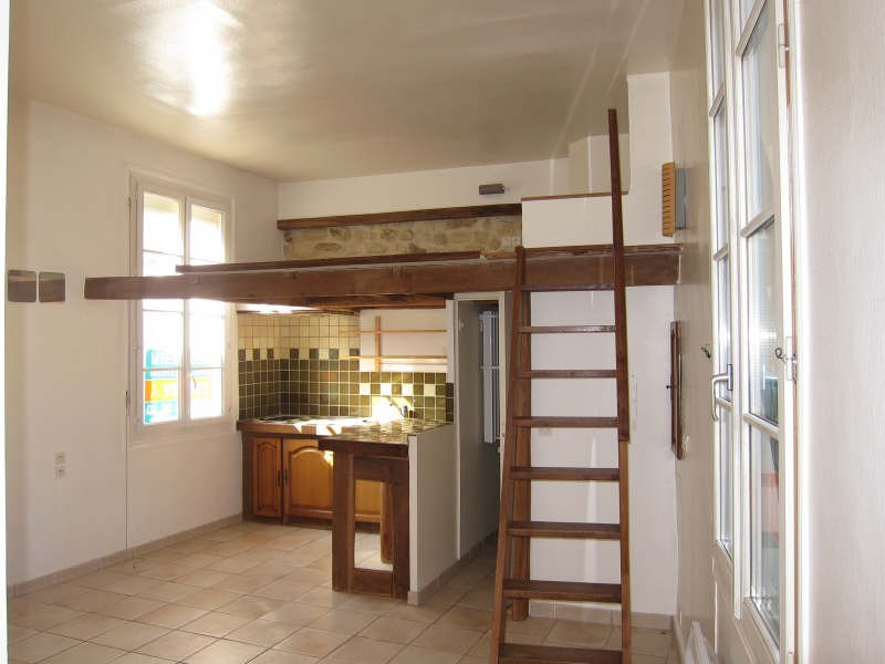 Rental apartment St germain en laye 670€ CC - Picture 2