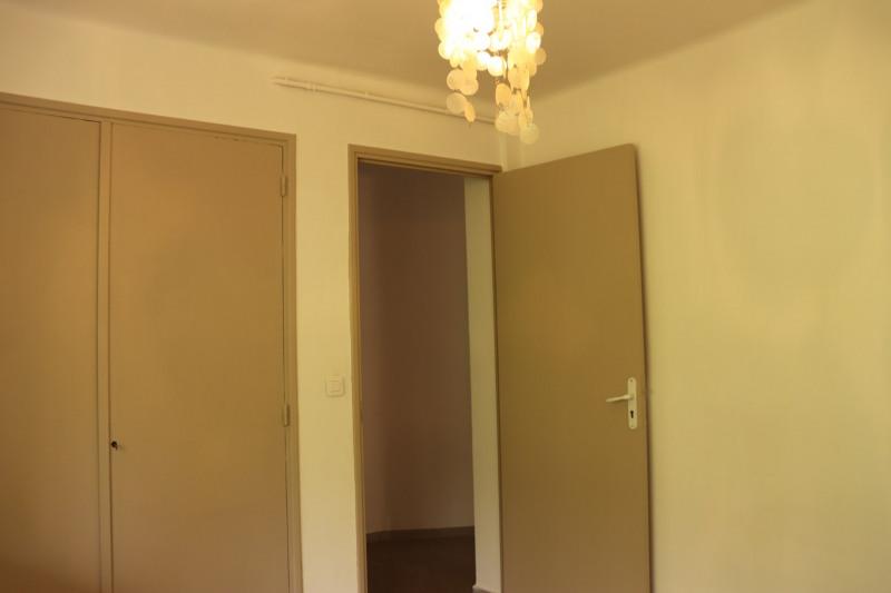 Location appartement Cavalaire sur mer 664€ CC - Photo 9