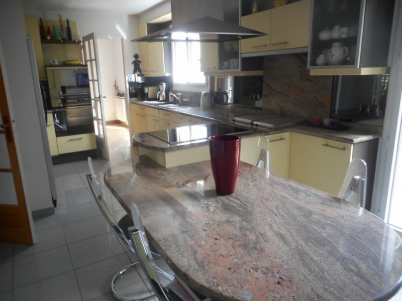 Vente maison / villa Ormesson sur marne 620000€ - Photo 2